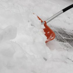 snow-3237949_Schneeschaufel
